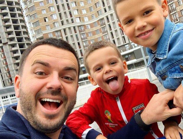 Гриша Решетник с сыновьями, фото с Instagram