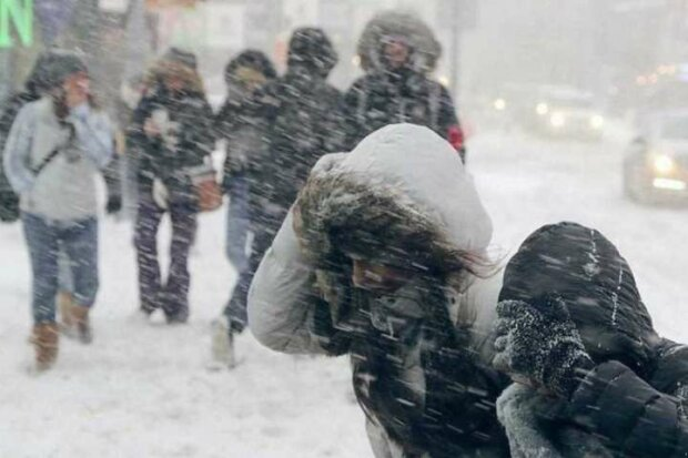Украину накроют метели, а ветер будет валить с ног: объявлено штормовое предупреждение, чего ждать в ближайшие дни