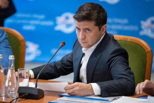 Зеленський прибрав з Дніпра 16 дружків Порошенка