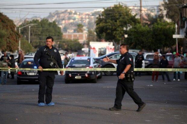 """Нешуточные страсти, похлеще мексиканского сериала: """"каратели"""" устроили погром и пожар в стрип-баре, десятки жертв"""