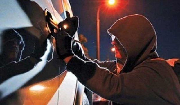 За два місяці копи спіймали 9 банд автовикрадачів