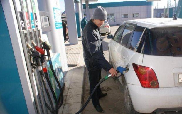 Цены на топливо сделают большинство водителей пешеходами