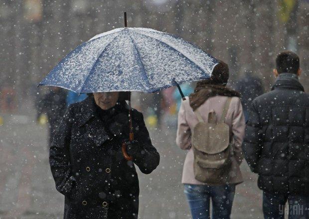 Погода на жовтень: українцям сказали готуватися, буде не до жартів