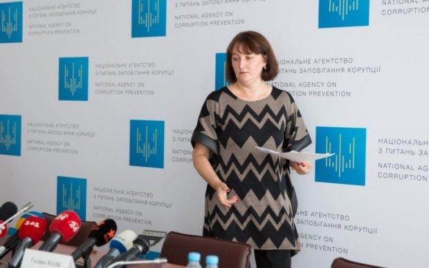 НАПК проверит вранье семерых депутатов