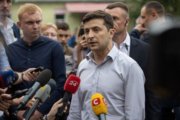 Зеленський розпускає Раду: Конституційний суд поставив крапку в скандальному питанні