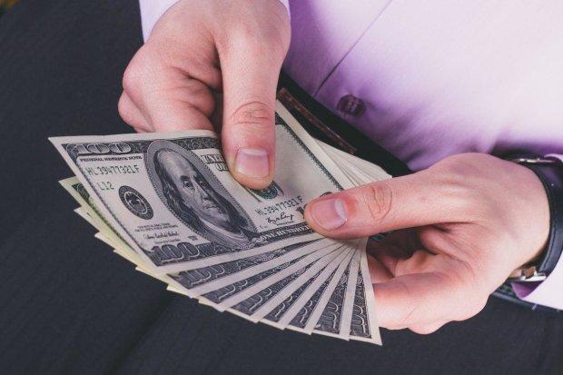 Эксперты показали курс доллара на неделю перед выборами