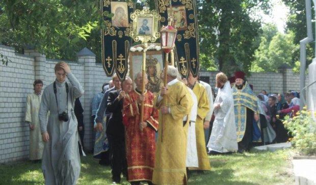 Крестный ход в честь Успения Пресвятой Богородицы прошел в Житомире