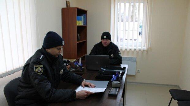 Кати у погонах: одеським копам, які по-звірячому вибивали зізнання, вручили конверт