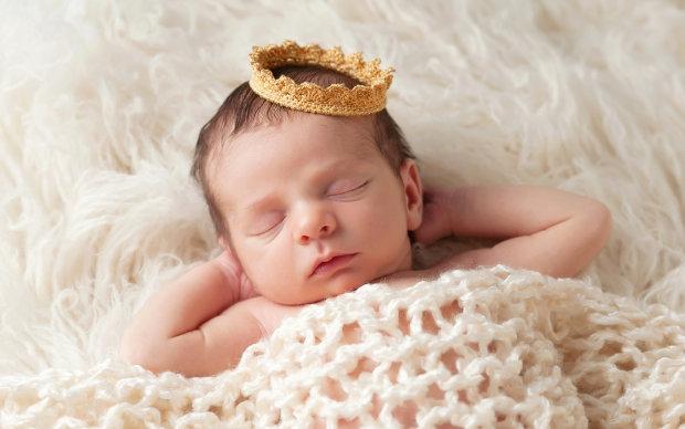 На дитину принца Гаррі і Меган Маркл чекає непроста доля: спадкоємець без преслота