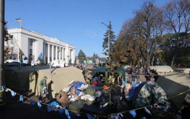 Кров, біль і крики жаху: під Радою зачистили наметове містечко в кращих традиціях Януковича