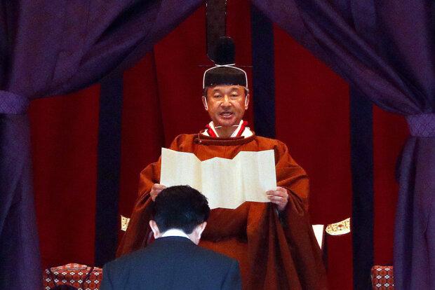 Імператор Японії в компанії Зеленського та першої леді України зійшов на престол: історичні кадри