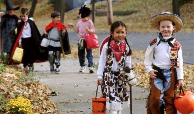В США детям на Хеллоуин подарили шоколадки начиненные иглами