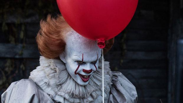 "Трейлер ""Оно-2"" Стивена Кинга: клоун-убийца Пеннивайз заговорил по-украински"
