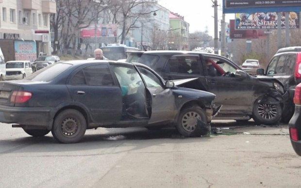 З'явилося відео з місця масштабної автокатастрофи в РФ