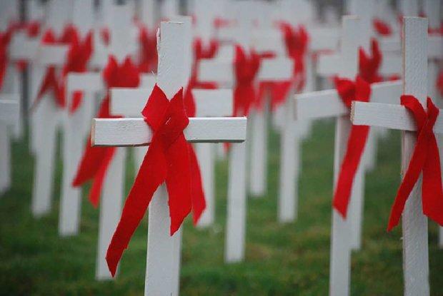 Всесвітній день пам'яті жертв СНІДу 19 травня: невідомі факти про чуму XX століття