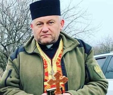 "Прикарпатський священик проміняв кадило на мандат: ""Прощавай, церкво"""