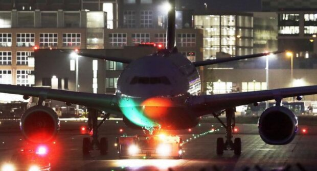 Літак, DailyMail