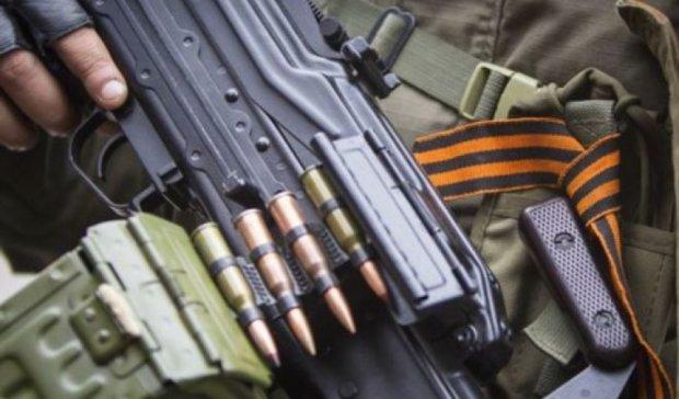 Терористи цілодобово обстрілюють Донецький аеропорт