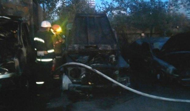 Киев захлестнула волна автомобильных пожаров