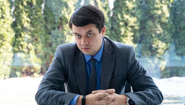 """У """"Слузі народу"""" відбуваються дивні речі довкола Дубинського: Разумков пояснив, що не так із колегою Зеленського"""