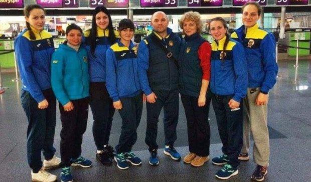 Жіноча збірна України з боксу вирушила на турнір до Казахстану