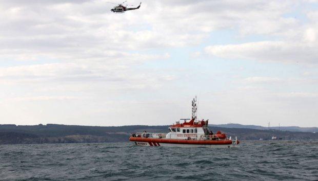 В Черном море мощная волна расколола корабль на части: погибли украинские моряки