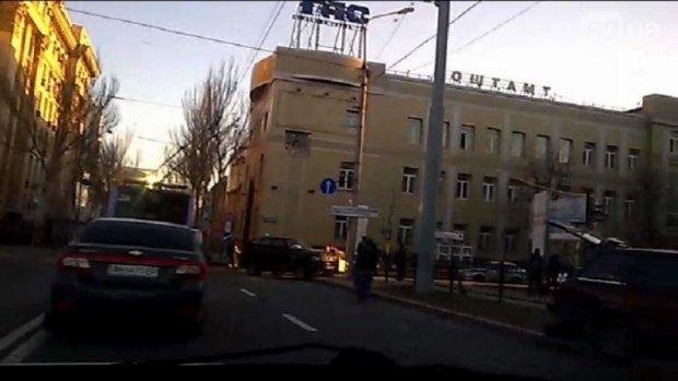 ДНРівці протаранили авто з мирними донеччанами
