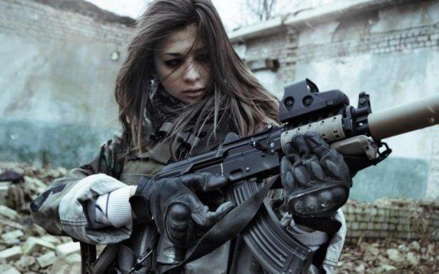 Вражаюча дуель: дівчина-снайпер проти бойовика