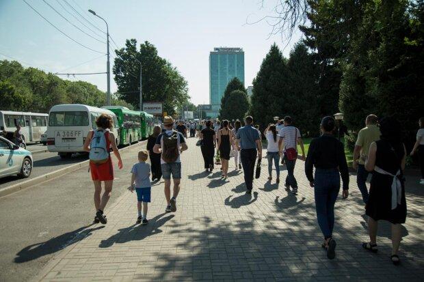 """Літо у Києві """"стає на лижі"""": синоптики обнадіяли прогнозом на 10 вересня, але це ненадовго"""