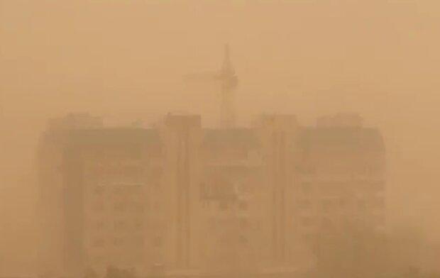 Песчаная буря в Астрахани, скриншот из видео
