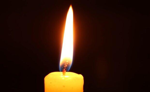 Повінь на Прикарпатті забрала життя молодої красуні в білому халаті - рятувала людей похилого віку, обожнювала дітей
