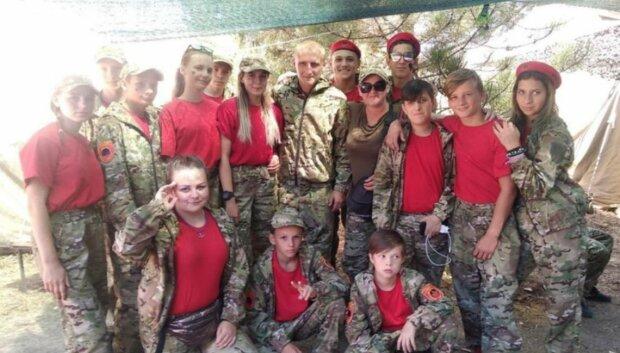 Донецкие террористы милитаризируют детей, фото: Telegram (Анатолий Штирлиц)