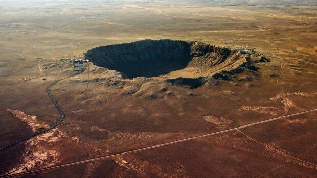 Живые космические организмы оккупировали крупнейший кратер Европы: удивительная находка потрясла человечество