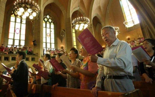 Преследования и похищения: китайцы объявили войну христианам