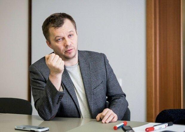 """Мілованов запропонував скасувати ЄСВ і знизити податок на доходи: """"Стимулювати підвищення зарплат"""""""