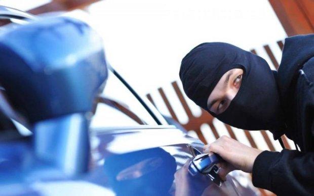 Увага водіям! Злодії застосовують нову схему викрадення авто