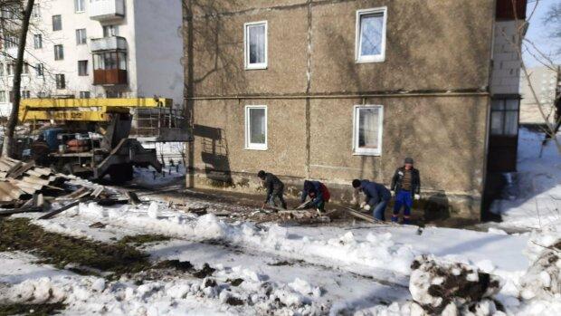 У будинку обвалився дах: Facebook Бурштинська міська рада