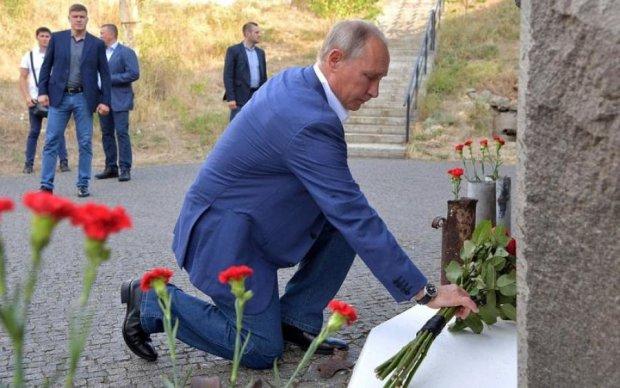 """Замолив гріхи та """"потусувався"""" з Хірургом: що робив Путін у Криму"""