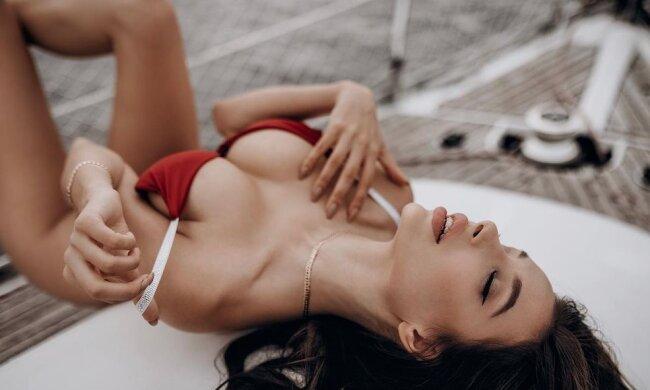 """Любимица Холостяка Кристина развлеклась со своей подругой: """"Мое свидание"""""""