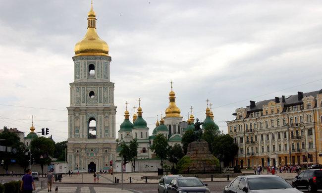 Погода в Киеве на 3 августа: стихия посадит украинцев под домашний арест, суббота - коту под хвост
