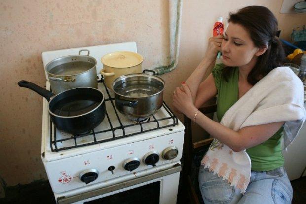 """""""Это кровь плательщиков"""": в Киеве включили горячую воду, но не все так просто"""