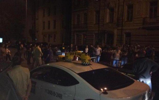 Мажорное ДТП в Киеве: кто спас жизнь пострадавшему