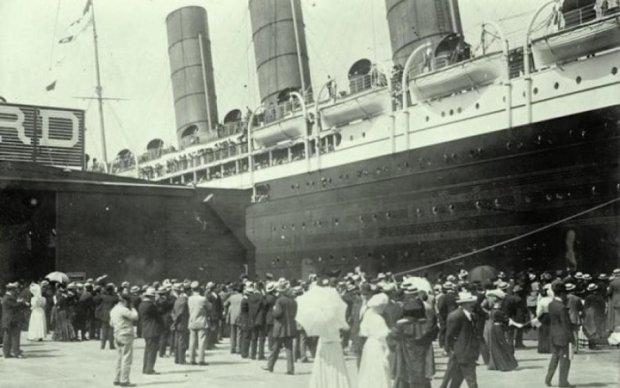 Еще все были живы: опубликованы редкие фото печально известного Титаника