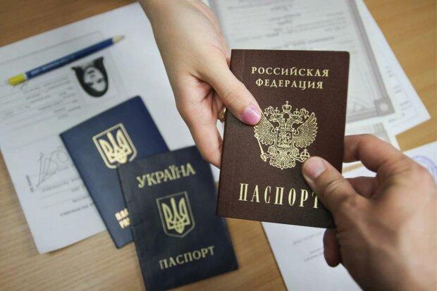 Жителі ОРДЛО переметнулися на бік Путіна: скільки людей мріють отримати громадянство РФ