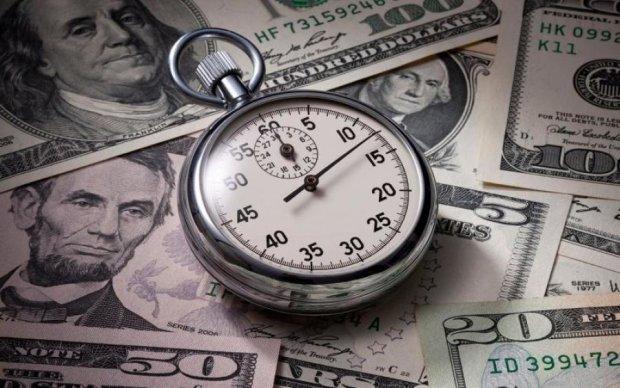 Курс долара в Україні показав як треба