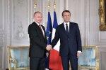 Статус Донбасса и амнистия для боевиков: Путин у Макрона ответил на острые вопросы по Украине