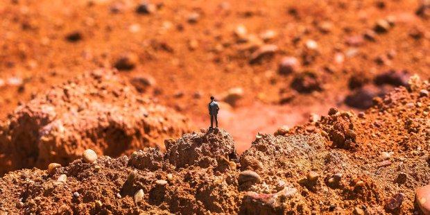 На Марсе обнаружили человеческую скульптуру: что утаивает Красная планета