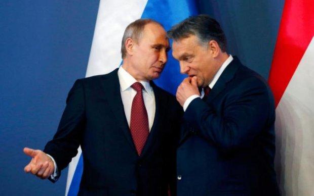 """Тысячи венгров вышли на улицы, выступая против """"друга"""" Путина"""