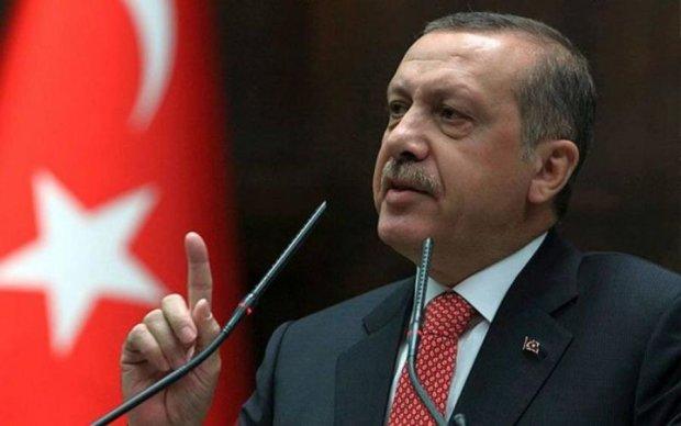 Грецький винищувач здійснив підводний маневр, турки все заперечують