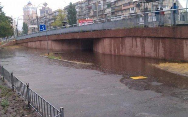 Шведы показали украинцам, как развлекаться в затопленном городе: видео